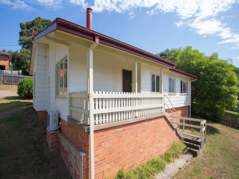 27 Girraween Cresent, Bega, NSW 2550