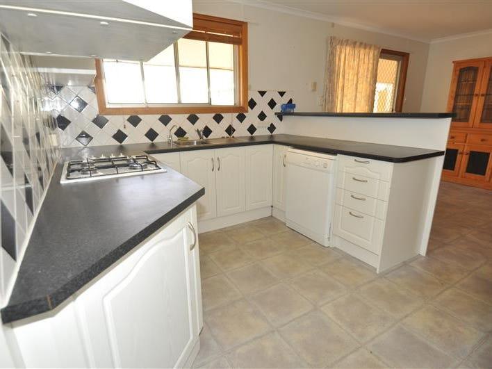 62 Axehead, Roxby Downs, SA 5725