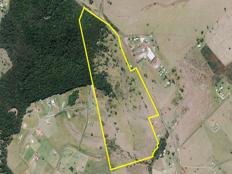 Address available on request, Peeramon, Qld 4885