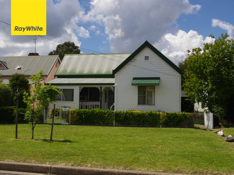 11 Chester St, Inverell, NSW 2360