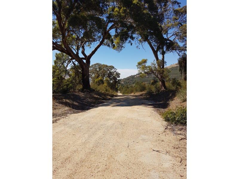 640 Ghin Ghin Rd, Whiteheads Creek, Vic 3660