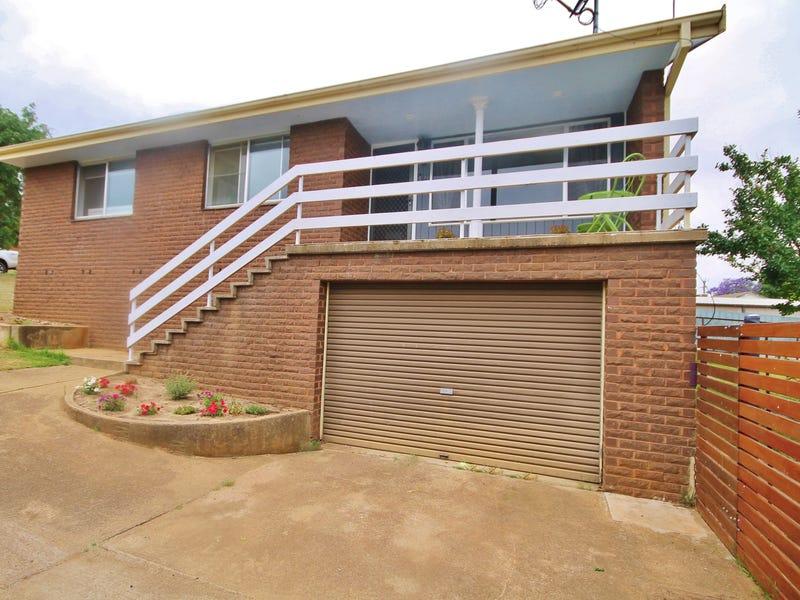 12 Barwang Street, Young, NSW 2594
