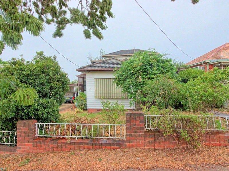 11 Fernleigh Road, Wagga Wagga, NSW 2650