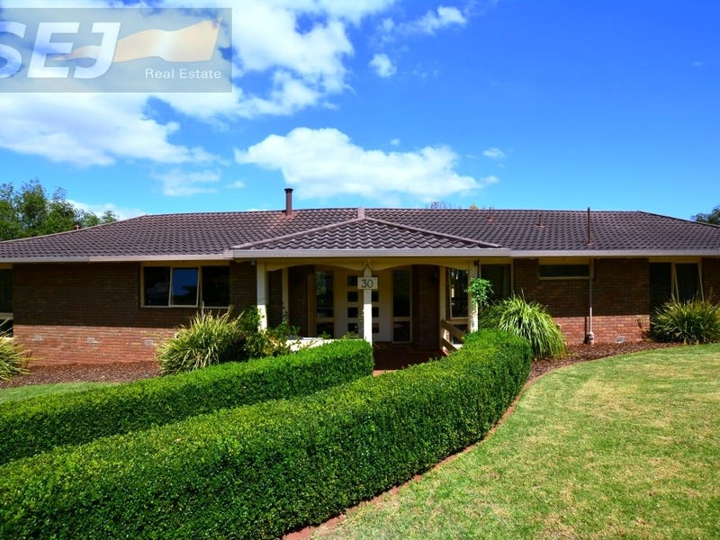 30-32 Lee Parade,, Leongatha, Vic 3953
