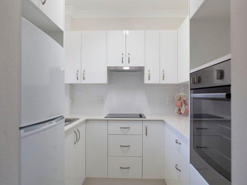 7 Bias Avenue, Bateau Bay, NSW 2261