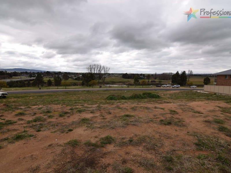 12 Parer Road, Bathurst, NSW 2795