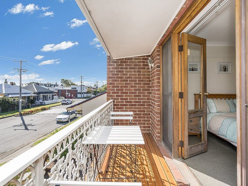 2/30 Robert Street, Wickham