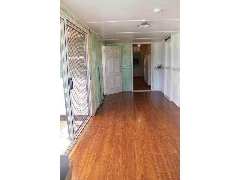4 McGregor Street, Thargomindah, Qld 4492