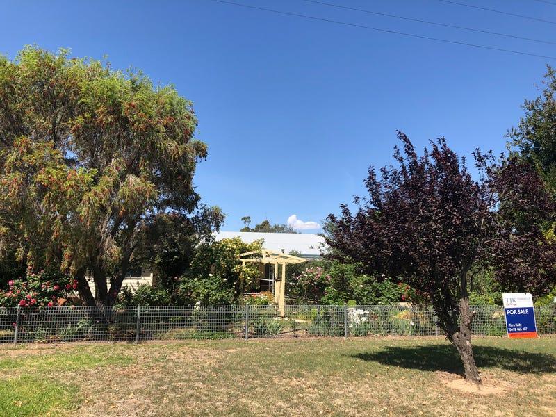 30 Pye Street, Eugowra, NSW 2806