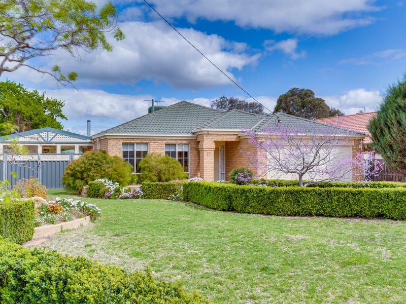 27 Wellington Street, Darley, Vic 3340