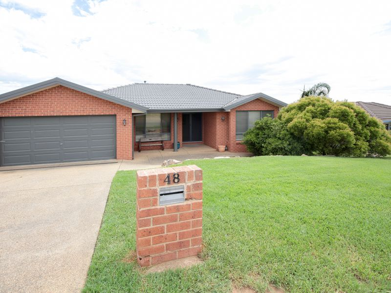 48 Avocet Drive, Estella, NSW 2650