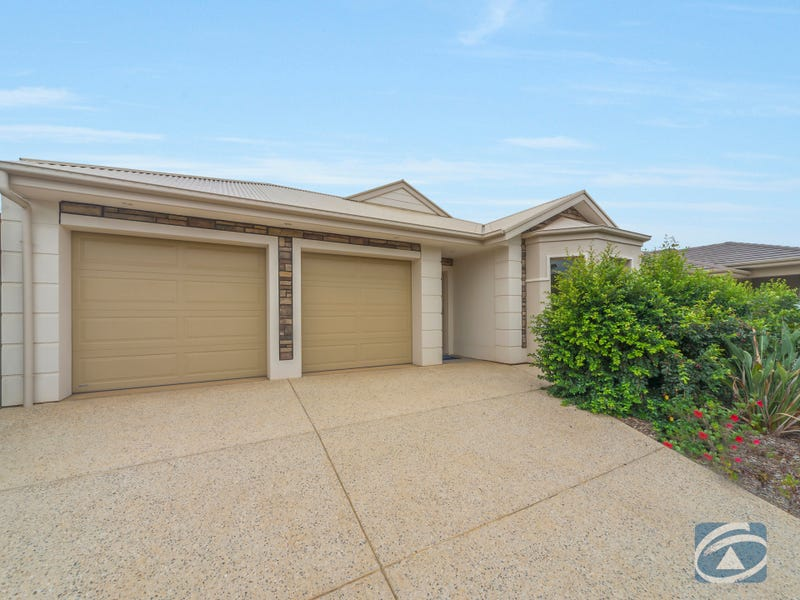 12 Eyre Circuit, Penfield