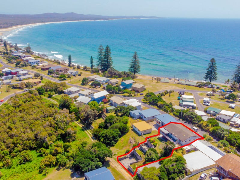 136 Ocean Road, Brooms Head, NSW 2463