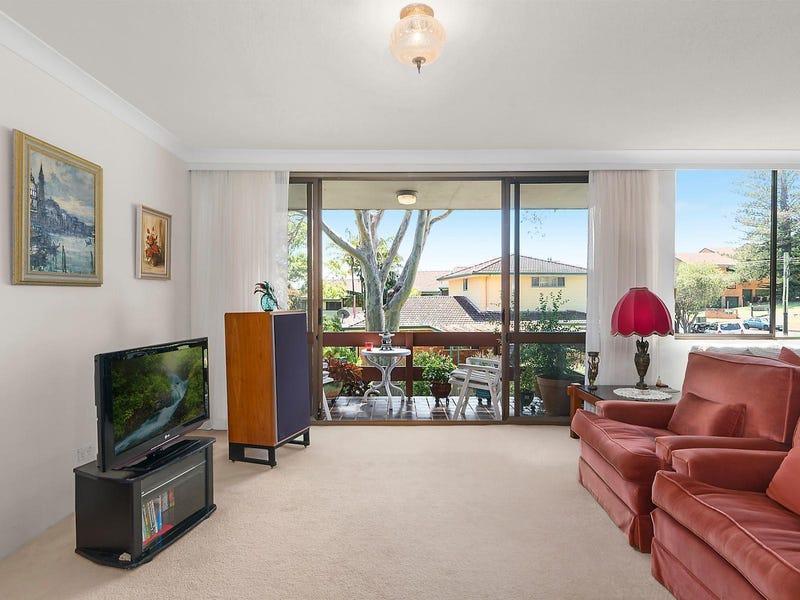 2/11 Norfolk Avenue, Port Macquarie, NSW 2444