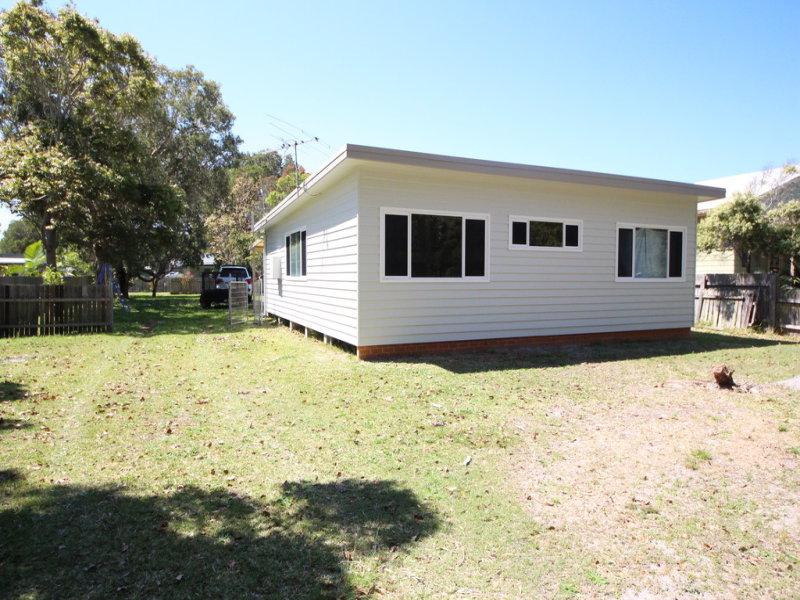 41 Creek St, Hat Head, NSW 2440
