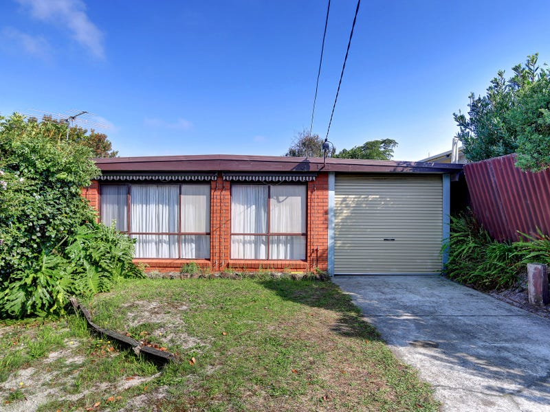 204 Ninth Avenue, Rosebud, Vic 3939