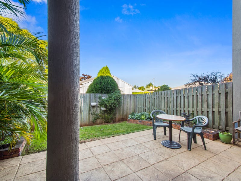 8/247 Herries Street, Newtown, Qld 4350