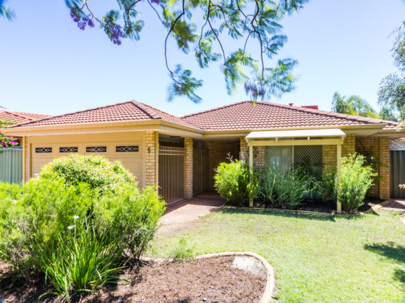 6 parkland trail canning vale wa 6155 property details for E kitchens canning vale