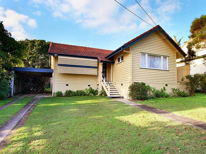 10 Embie Street, Holland Park West, Qld 4121 on