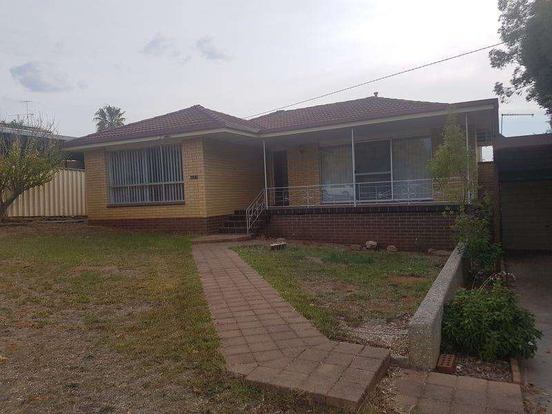 423 Pine Avenue, Lavington, NSW 2641