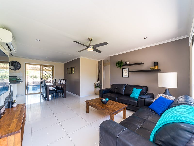1/10 Orkney Place, Labrador, Qld 4215