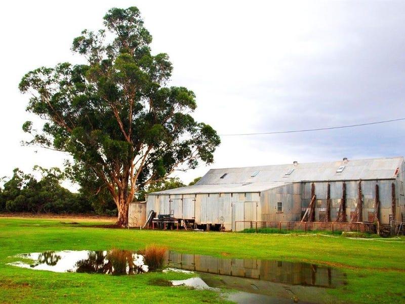 ". ""Ramsay"" Cobb Highway, Booroorban, NSW 2710"