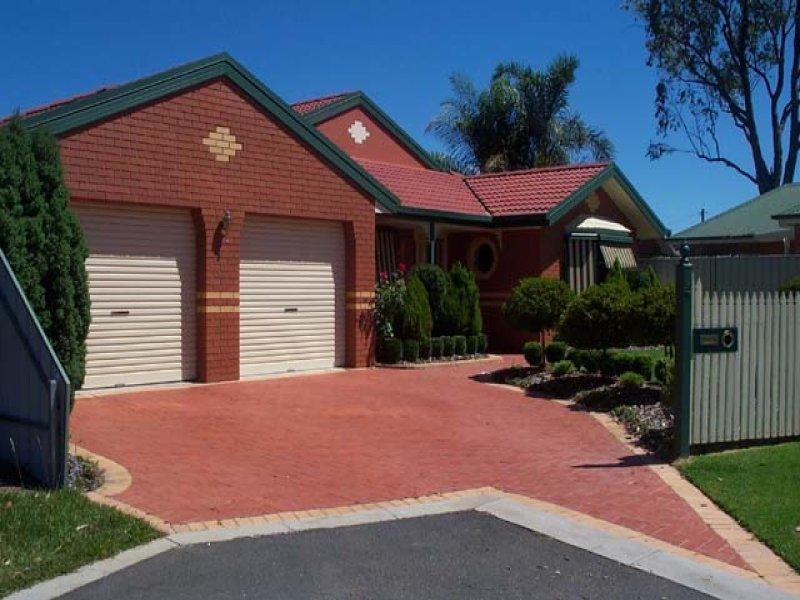 4 Chloe Court, Lavington, NSW 2641
