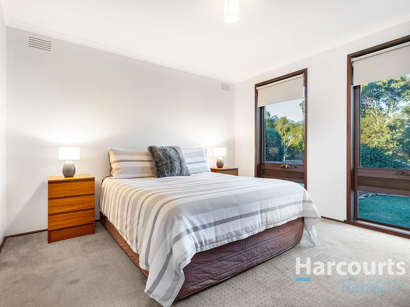 4 Bernborough Place, Mill Park, Vic 3082