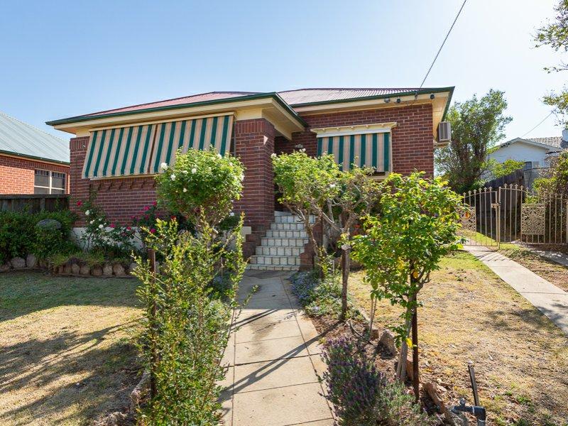 74 Carthage Street, East Tamworth, NSW 2340