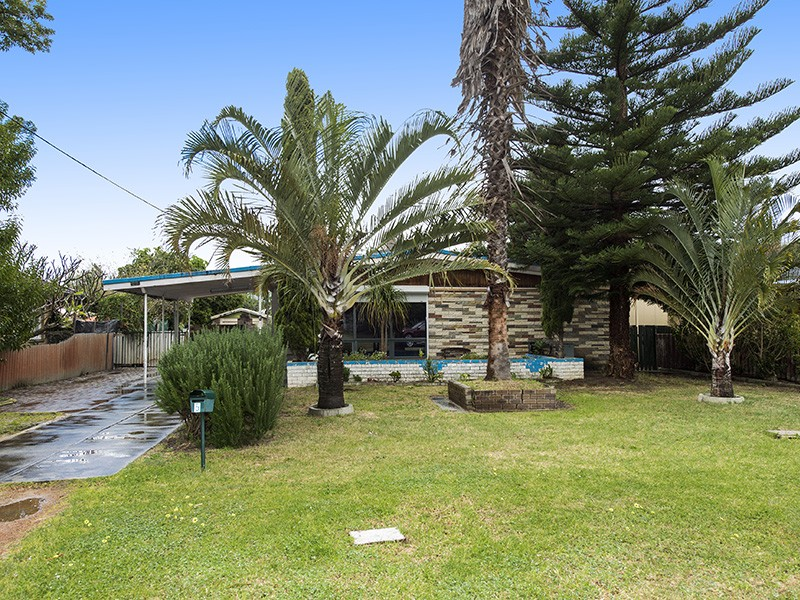 5 Warren Road, Maida Vale, WA 6057