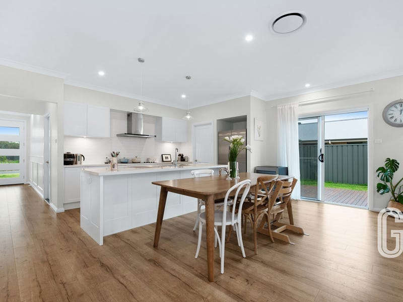 20 Rosemary Street, Fern Bay, NSW 2295