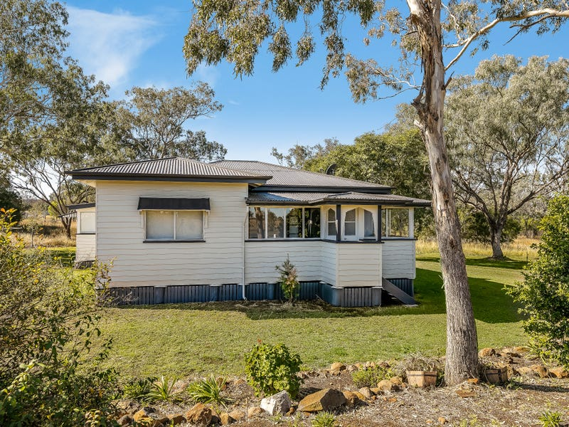 3297 Oakey Road, Springside, Pittsworth, Qld 4356