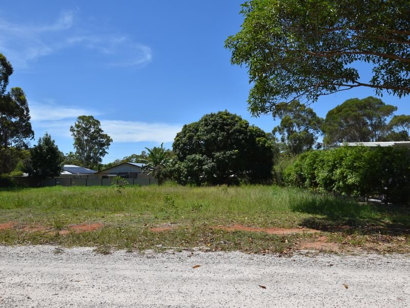 3 Pia St, Russell Island, Qld 4184