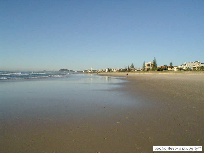 24 Sunbrite Ave,, Mermaid Beach, Qld 4218