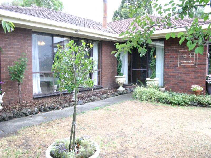 35 Outlook Way, Hernes Oak, Vic 3825