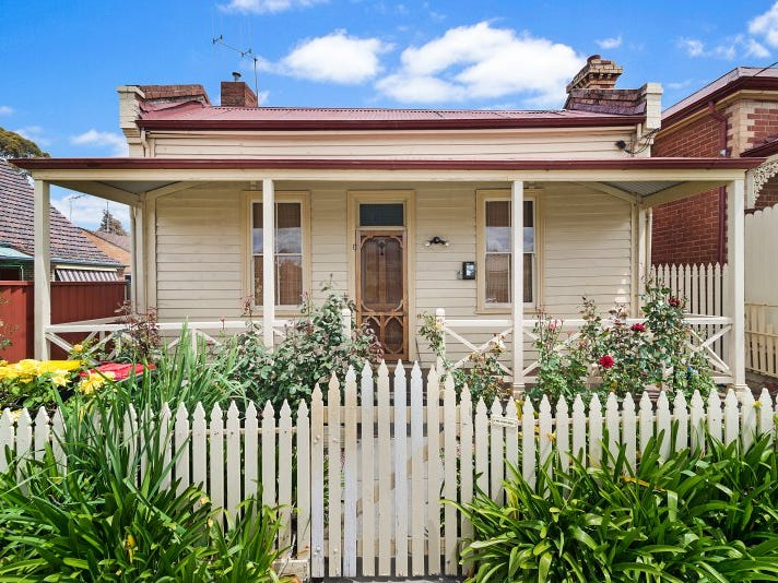 140 Mitchell Street Street, Quarry Hill, Vic 3550
