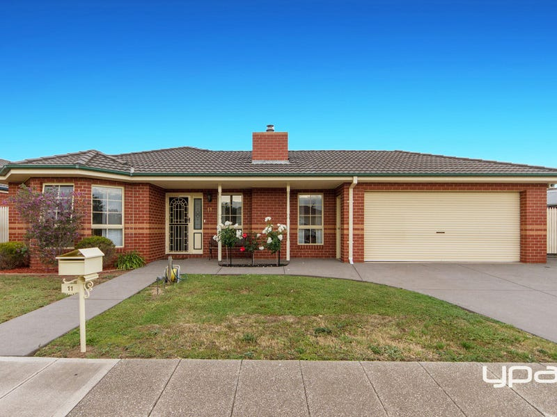 11 Coorong Place, Burnside, Vic 3023