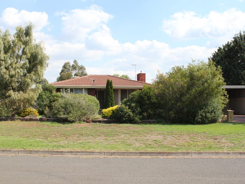 15 Barry Street, Bacchus Marsh, Vic 3340