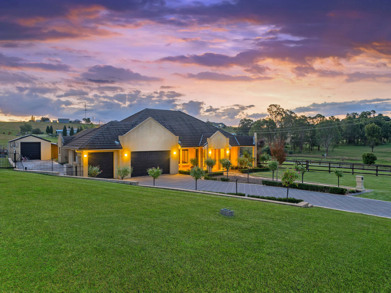 1 Hermitage Court, Orchard Hills, NSW 2748
