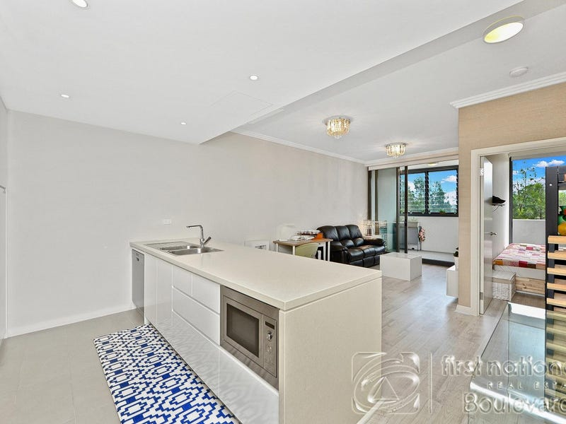 404/53 Hill Road, Wentworth Point, NSW 2127