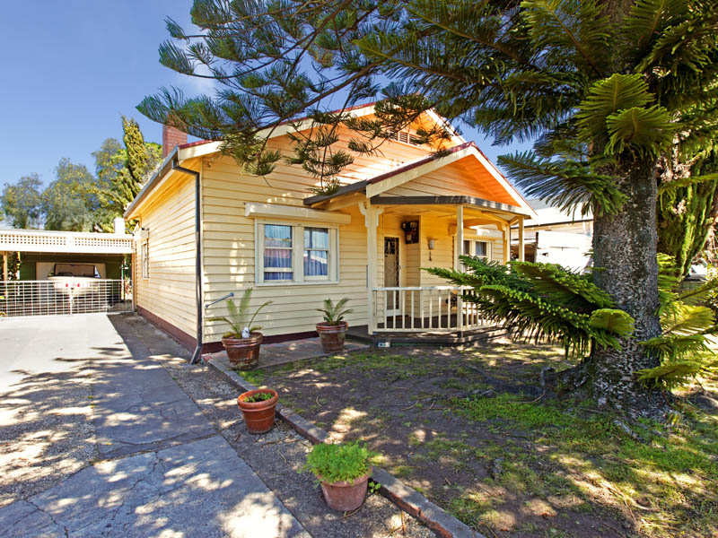 6 Myrtle Grove, North Shore, Vic 3214