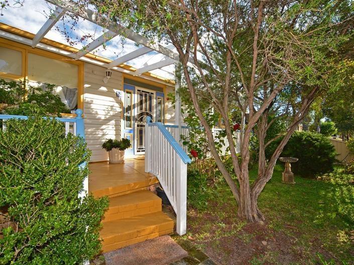 24 Beach Street, Ettalong Beach, NSW 2257