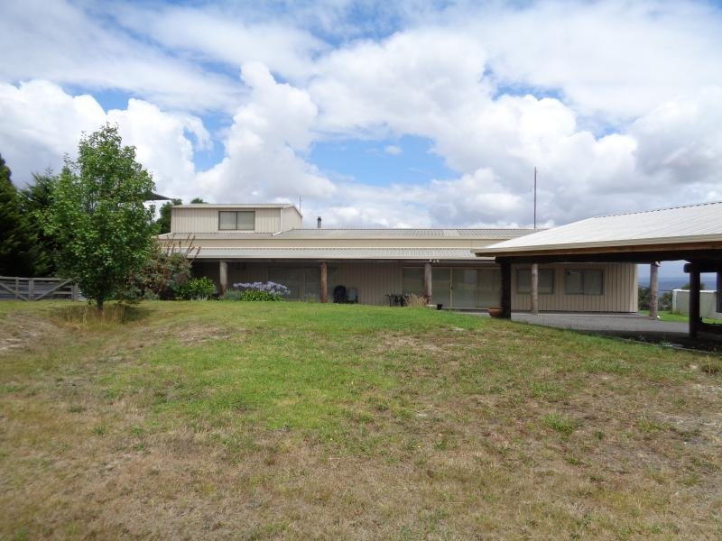**UNDER CONTRACT*105 Saviges Road, Yallourn North, Vic 3825