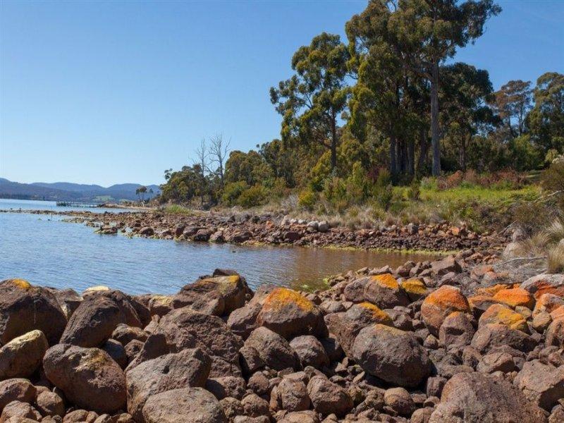 165 Esperance Coast Road, Surges Bay, Tas 7116