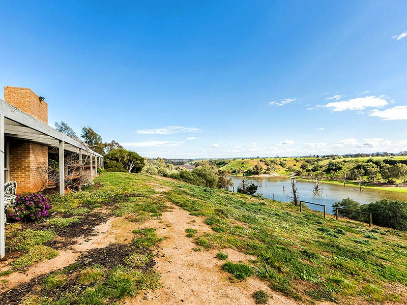 35 Hickey Road, Exford, Vic 3338