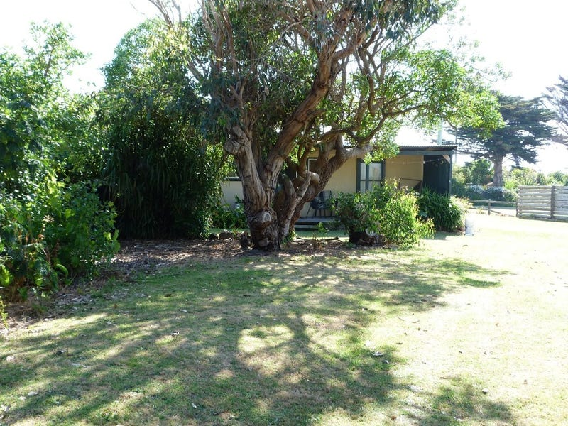 54 Old Peterborough Road, Peterborough, Vic 3270