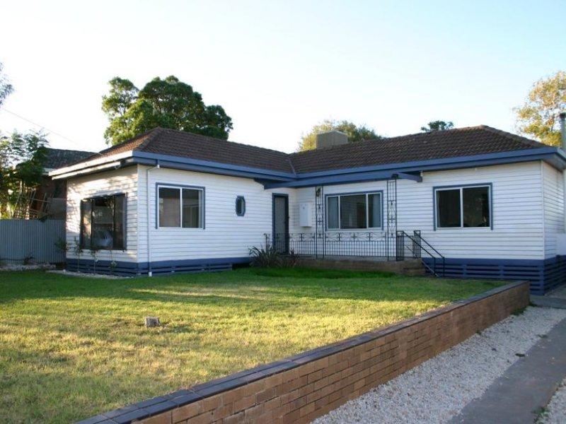 8 Tyrrell Street, Lake Boga, Vic 3584