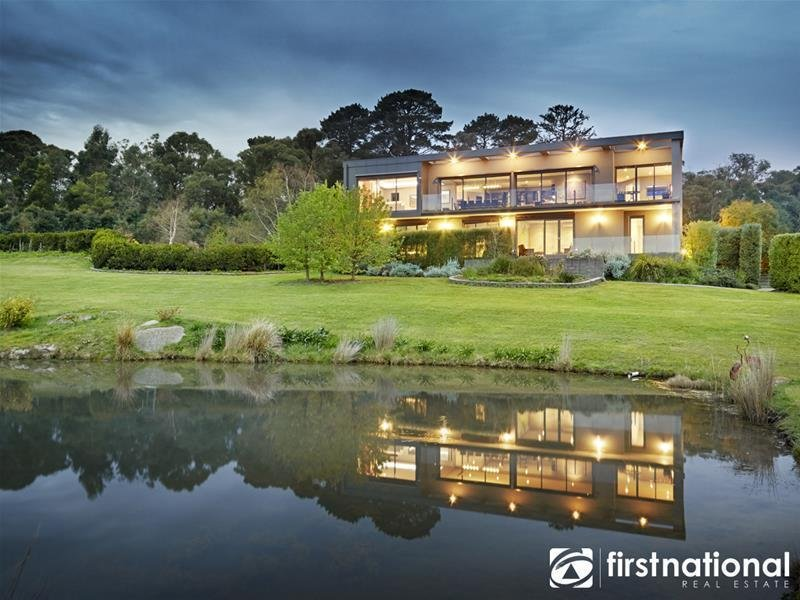 195 Split Rock Road, Beaconsfield Upper, Vic 3808