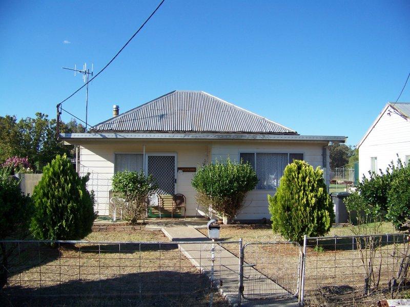 27 Drummond Street, Coonabarabran, NSW 2357