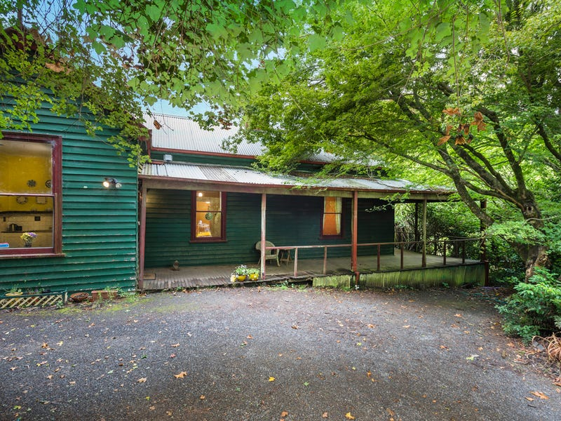 11 Sangsters Road, Mount Macedon, Vic 3441